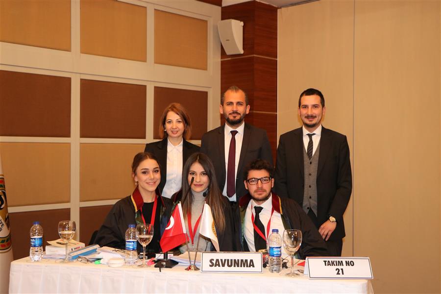 Avukat Stajyerleri Kurgusal Duruşma Yarışması Ege Bölge Elemelerinde Baromuz birinci oldu.